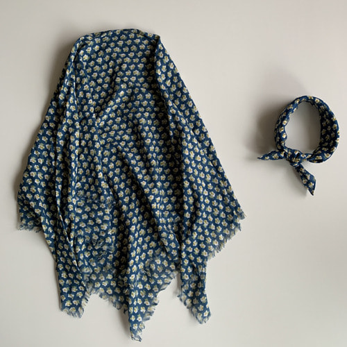 R&D.M.Co-  nursery print gauze shawl